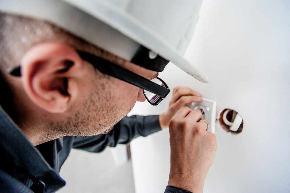 Electrical Contractors in Seattle